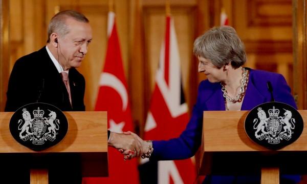 Ердоган от Лондон: Задържаните журналисти – терористи!