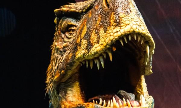 За първи път: Грандиозно шоу с динозаври идва у нас