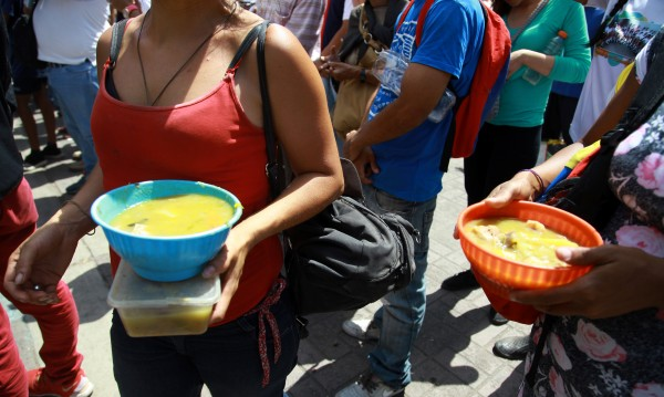Днес: Девет от десет венецуелци си лягат гладни!