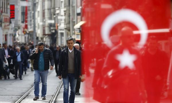 Когато в Сирия бизнесът не цъфти... В Турция дава реколта