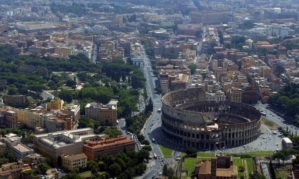 Като няма пари за заплати... овце косят тревата в Рим