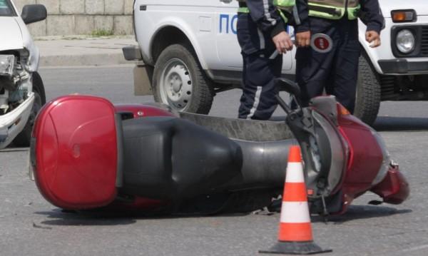 Възрастен мъж с мотопед загина след катастрофа край Девин