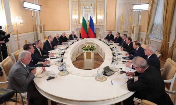 Радев: Възобновен е диалогът България - Русия!