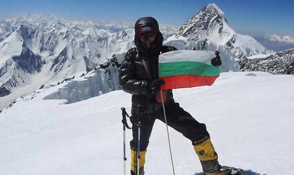 В алпинизма смъртта не е неочакван край! Кой знае какво е да спиш на 6000 м?