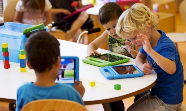 За 1 юни: Безплатни прегледи за деца в Ортопедията в Горна баня