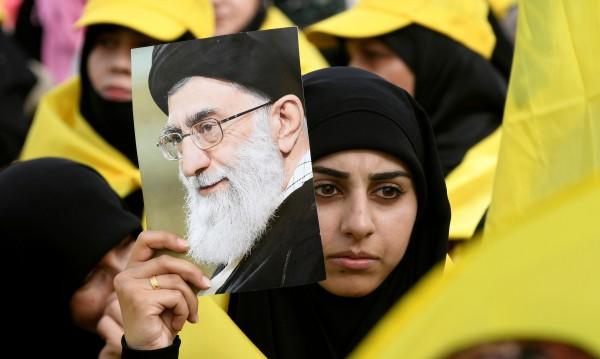Иран се сопна: Няма да иска разрешение за оръжията си!