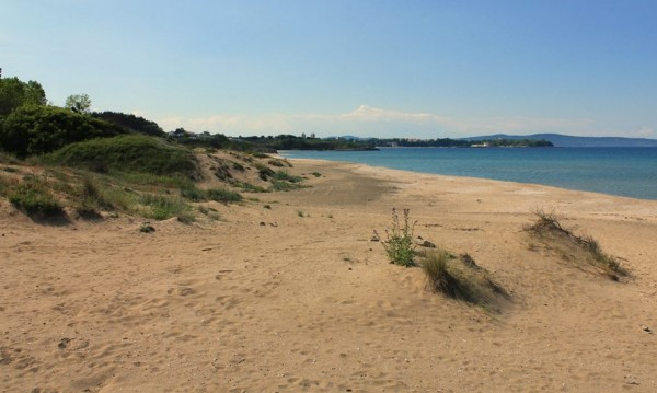 Половината плажове по морето – без спасители! Защо?