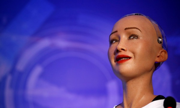 Хората масово ще започнат да се женят за… роботи