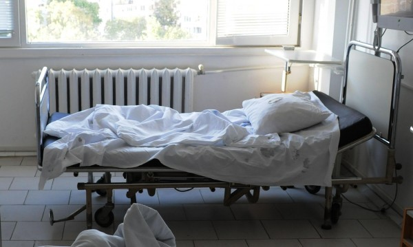 24-ма припаднали в гробищата в София на Задушница