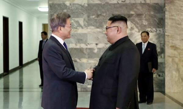 Двете Кореи обсъждат споразумение за ненападение