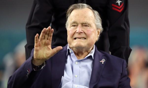 Бившият президент на САЩ Джордж Буш баща приет в болница