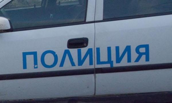 """Микробус, натоварен с лодки, се преобърна на """"Струма"""""""