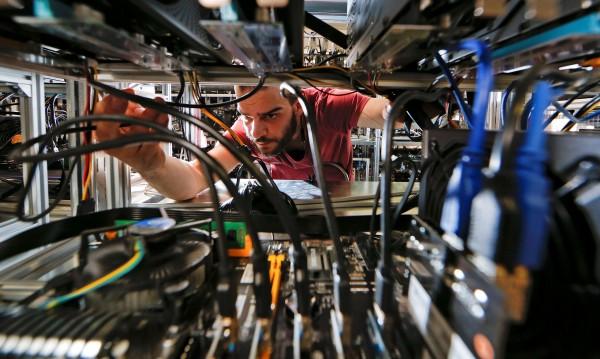 След 2020 г.: На работа – само с цифрови умения