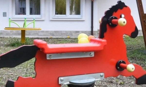 За Деня на детето – омбудсМая vs. таксите за забавачка