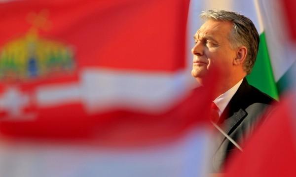 Унгария погна организации, помагащи на мигранти