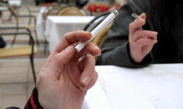 В Европа само в България жените пушачи са повече