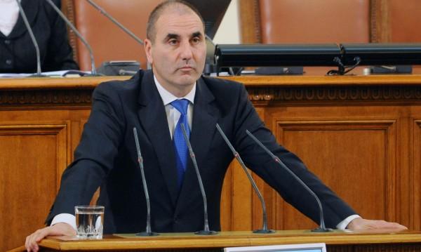 Визитата в Москва: Защитен интерес, нов момент в отношенията...
