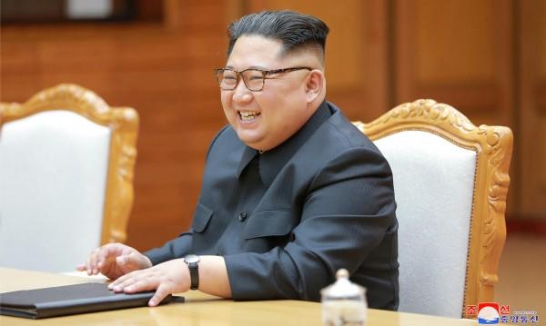 """Как за месеци Ким получи дипломатически """"нашивки"""""""