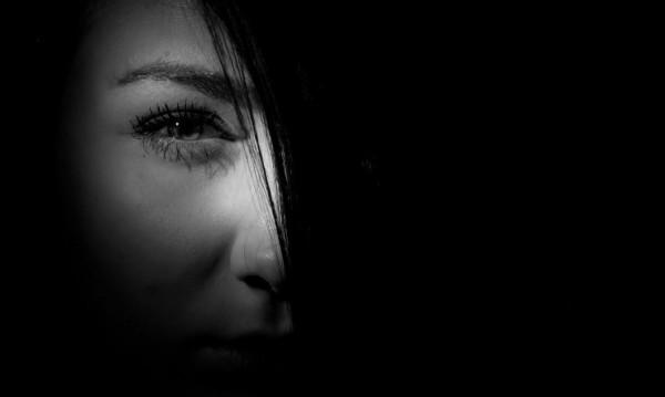 Познай нарцисите по веждите. Как да ги открием?