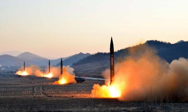 Северна Корея разрушила площадка за ракетни изпитания