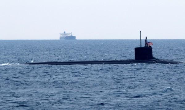 Китайци откраднали планове на САЩ за подводна война