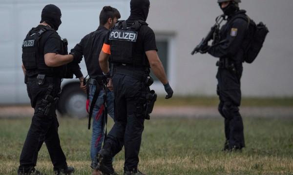 Германия с нов план за убежището след убийството на момиче