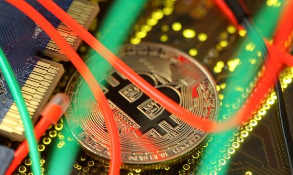Кървав уикенд за криптовалутите
