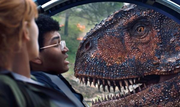"""Динозаврите """"изядоха"""" Хан Соло от върха"""