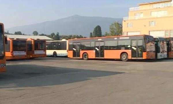 Превозвачи на протест: Спират 2000 автобуса!