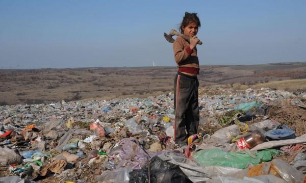 Къде потънаха милионите за ромите? Спор в НС: Тоягата или морковът?