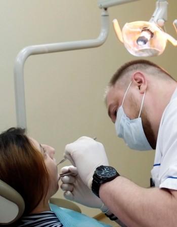Препоръките на стоматолога срещу лош дъх