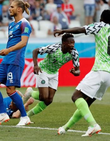Нигерия не прости на Исландия и гледа към осминафиналите
