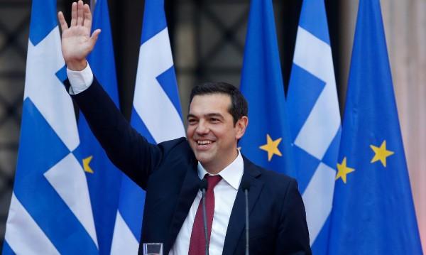 Изпълнено обещание: Ципрас сложи вратовръзка