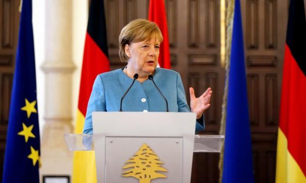 Чековата книжка на Меркел и големия проблем пред ЕС – мигрантите