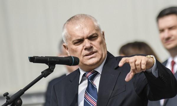 Червени критики към властта, а МВР шефът: Под вола теле се търси!