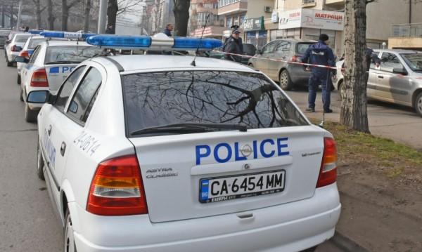 Напрежение и в Ботевград: Камъни по полицаи, издирват се 6 души