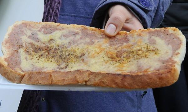 Филия бял хляб с лютеница в училище? Вече не!