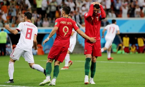 Роналдо профука дузпа! Португалия зад Испания