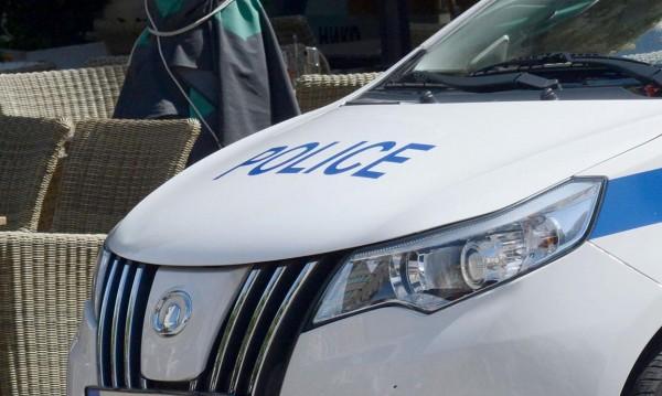 Полицейска кола блъсна момиче в Дряново