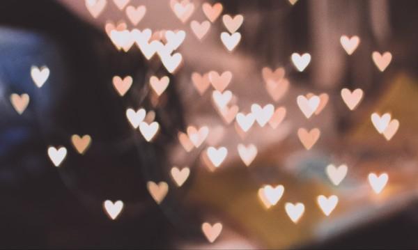 Какво чака зодиите в любовта тази седмица?