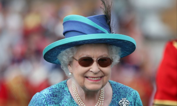 Елизабет Втора одобри закона за напускане на ЕС