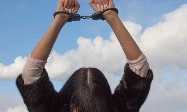 Психоложката от ада в Труд – с 2 обвинения. Арестувана е!
