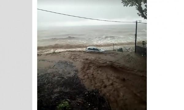 След спешен сигнал: Евакуираха българи от потопа в Гърция