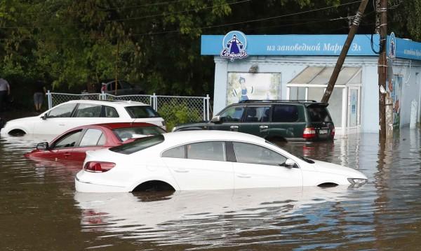 Български коли в капан в Гърция, искат €500 за гръцки репатрак