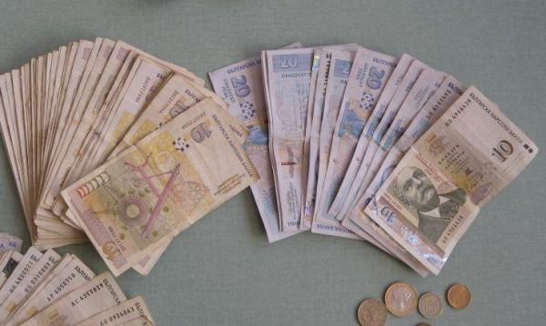 НАП погва 290 души: Харчат над 50 бона на година, доходи - нямат