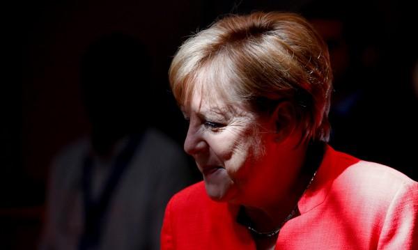 Меркел си отива? Меркел остава? 5 възможни сценария за Германия