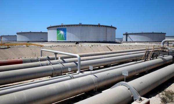 Рияд с готовност да произвежда 2 млн. барела петрол на ден