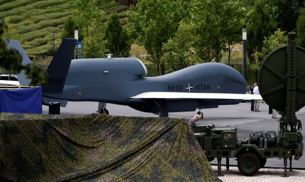 Русия свалила два дрона край базата си в Сирия