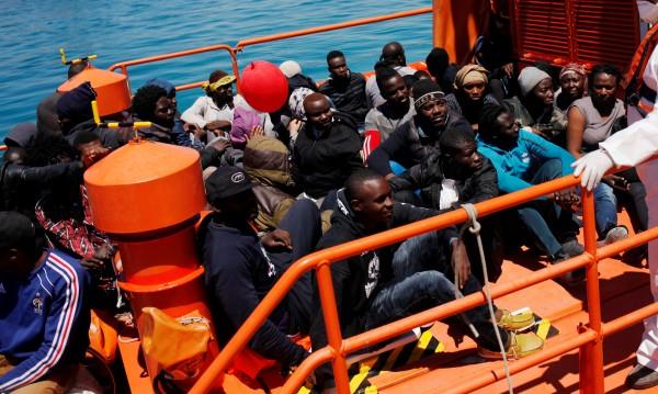 ЕК започна да търси място за мигрантите в Африка