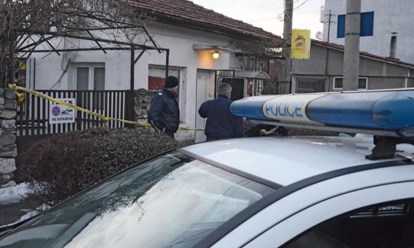 В Търново, пред магазин: Непознат нападна 30-годишен